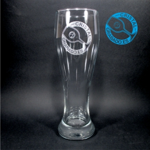 Vaso de cerveza alemana grabado con logotipo