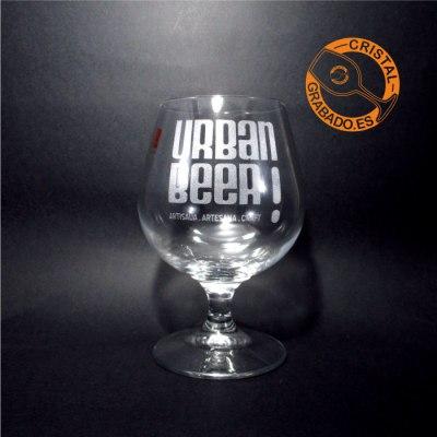 Copa de brandy personalizada con logotipo de Cerveza Artesana en Barcelona