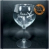 Versatilidad en diseños de grabado y formatos de copas y vasos para personalizar