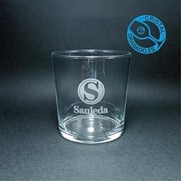 Personalizamos las copas y los vasos de tu comida de empresa