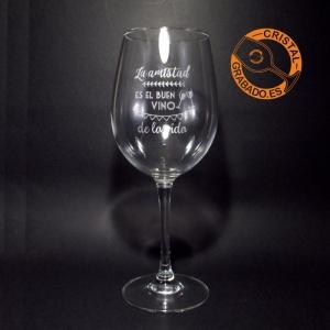 Copa de vino grabada con frase