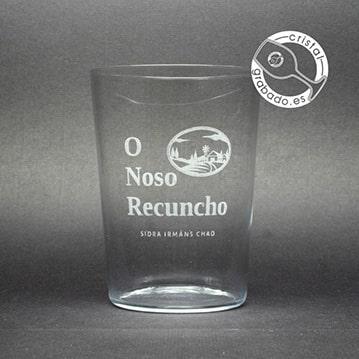 Vasos sidra personalizados mediante grabado láser.